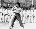 ENTER THE DRAGON: a final backfist from Bruce Lee for extra Yuen Bun!